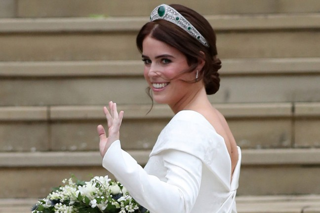 princess-eugenie-wedding-dress-crop